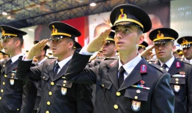 Photo of Türk Silahlı Kuvvetleri personel alımı yarın başlıyor! Başvuru şartları neler?